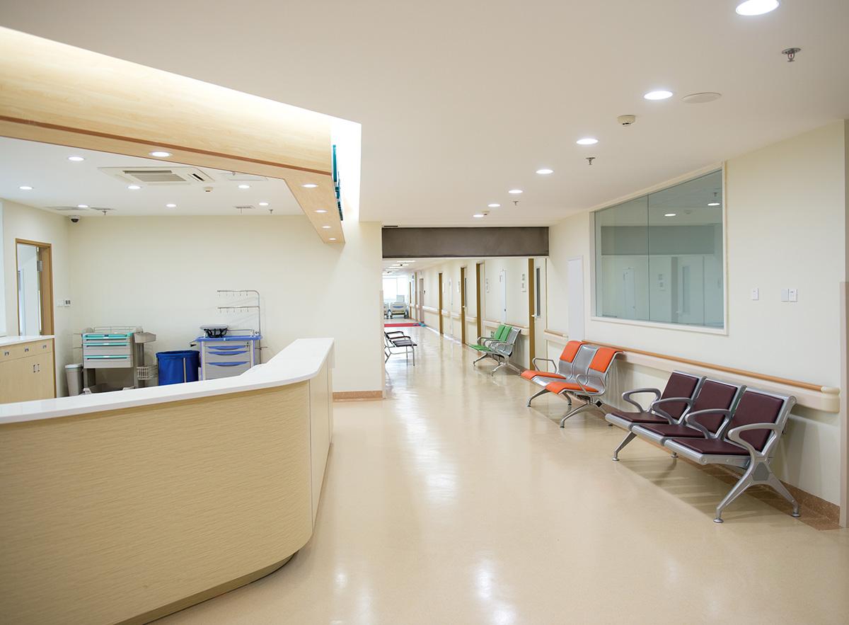 Fußboden Im Krankenhaus ~ Fugenlose wand und bodenbeläge im health care bereich