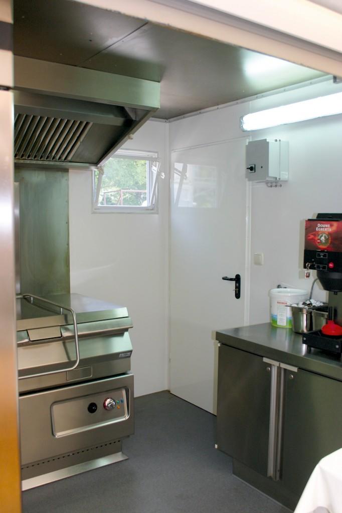 Wand- und Bodenbelag einer mobilen Küche